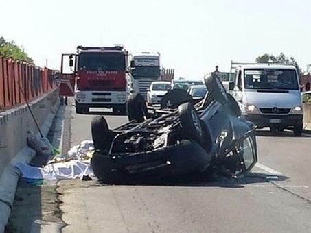 Bologna, bimbo di 7 anni muore nel Suv guidato dal papà: incidente con un furgone in tangenziale