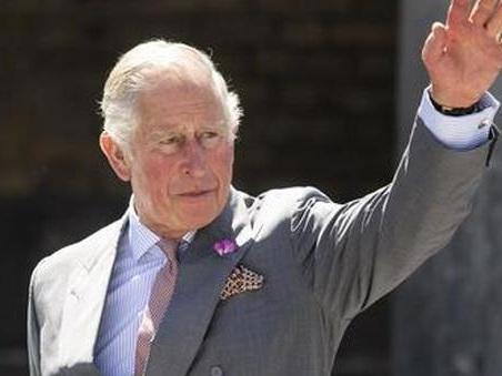 Il principe Carlo e il Covid, parla per la prima volta della sua malattia: «Sono stato fortunato»