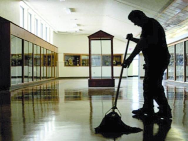 Concorso Ata: decreto in arrivo per 11.507 posti, stop alle ditte di pulizia esterne