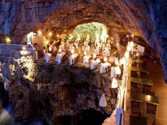 Polignano: carne scaduta al ristorante Grotta Palazzese