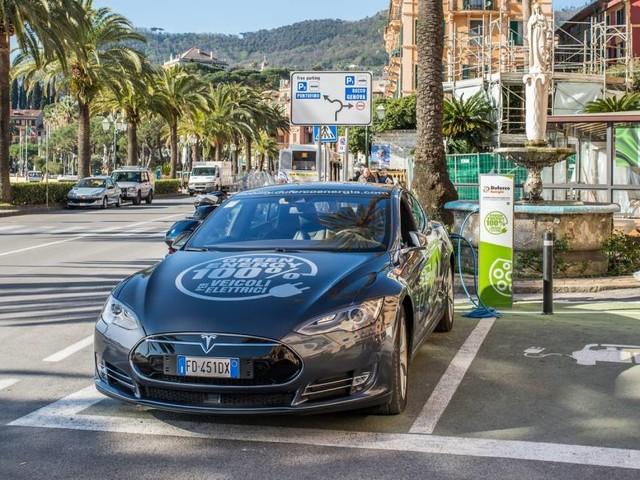 "Testimonianze - Sergio Torre: ""I miei 160 mila chilometri con una Tesla"""