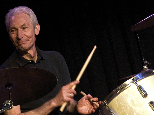I Rolling Stones ricordano Charlie Watts nel video di Living In The Heart Of Love