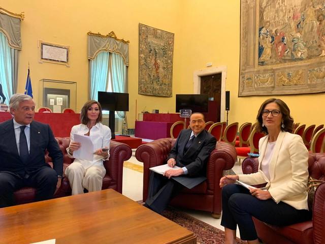 """Berlusconi: """"No al governo Conte bis. Operazione fragile e inadatta"""""""