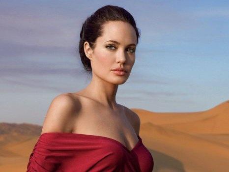 """Angelina Jolie, nuova vita dopo Brad Pitt: """"I miei figli? Sono stati molto coraggiosi"""""""
