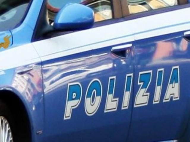 Ladri di monete nei distributori di bevande in azione nelle scuole: arrestato in flagranza un 42enne
