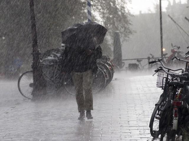 Previsioni meteo Roma e Lazio per domani venerdì 16 ottobre: ancora pioggia e temporali