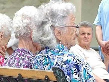 Case di riposo, sono 240 i posti liberi: centinaia di anziani in lista d'attesa