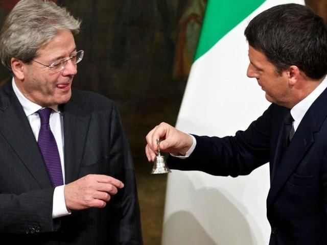 Pd spaccato, Renzi accusa Gentiloni e minaccia la scissione: 'Vuole far saltare tutto'