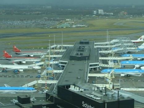 """Falso allarme su aereo dirottato crea panico ad Amsterdam: """"Attivato per errore"""""""