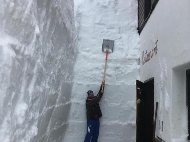 Neve da record: immagini pazzesche dalle Alpi. Mai visto ad inizio estate