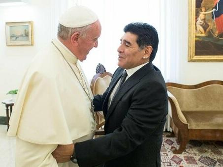Maradona, il Papa gli dedica una storia su Instagram: #RipMaradona è l?hashtag che accompagna la foto