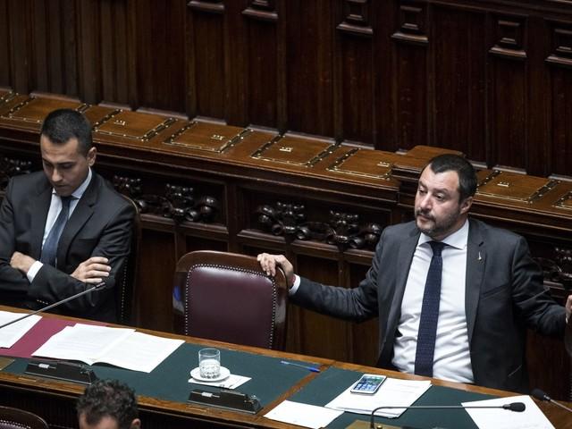 Il baratto: Salvini si sdebiterà su Tav, autonomia e reddito