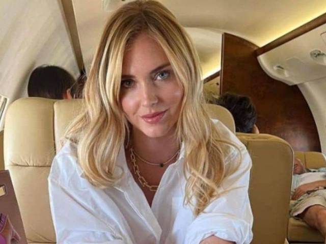 Chiara Ferragni in Puglia col jet privato, hater: 'Persone come voi stanno facendo danni'