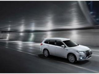 Mitsubishi Outlander Phev: l'evoluzione della guida green