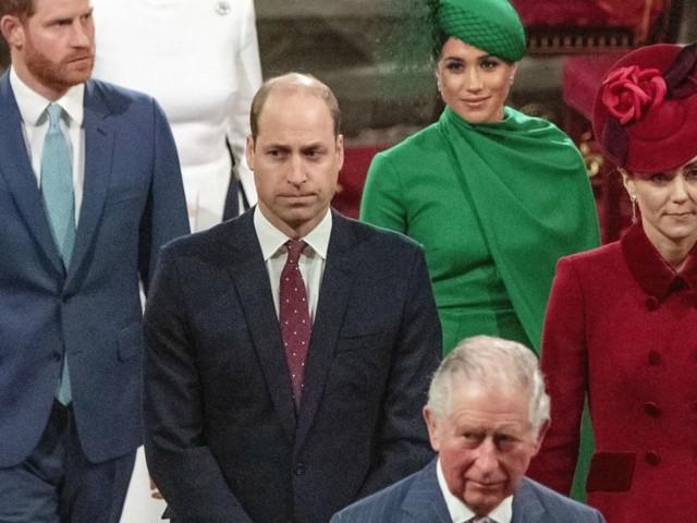 """Meghan Markle """"cancellata"""" dalle foto per il compleanno di Harry: negli auguri della Famiglia Reale lei non compare mai"""