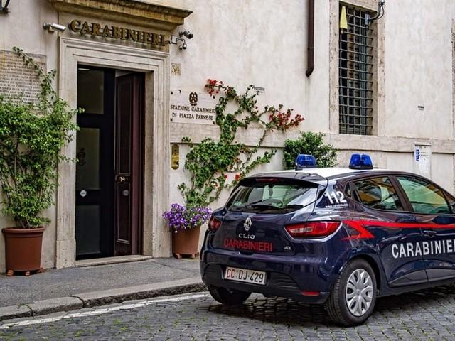 Brescia: Carabiniere 23enne si toglie la vita con la pistola d'ordinanza
