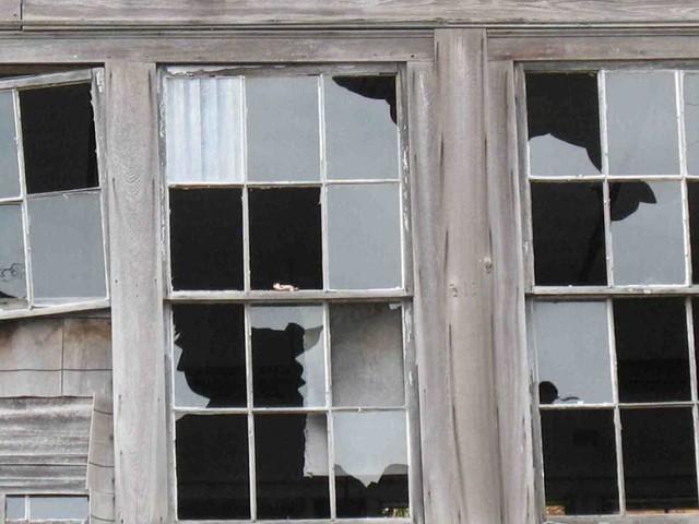 """Scuola, cura degli ambienti e comportamenti individuali: la """"teoria delle finestre rotte"""" vale anche per le nostre classi"""
