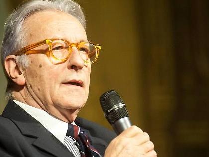 """Vittorio Feltri: """"Di Vaticano e vescovi non interessa più a nessuno. Allora mi spiegate perché..."""""""