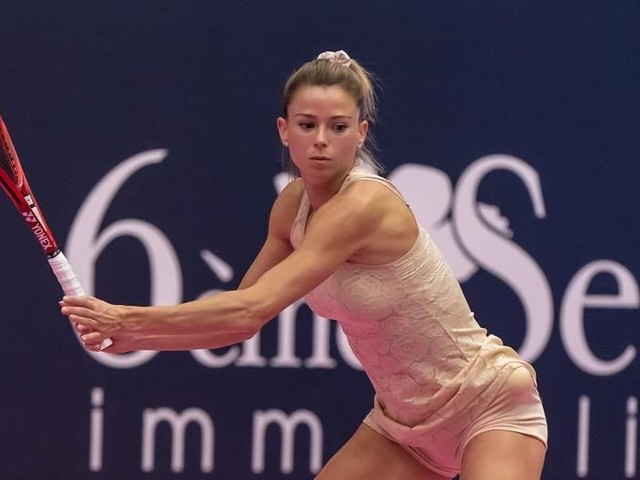 WTA Lione e Doha: LIVE i risultati con il dettaglio dei Quarti di Finale e Semifinali. La giovane Tauson concede 4 game a Camila Giorgi