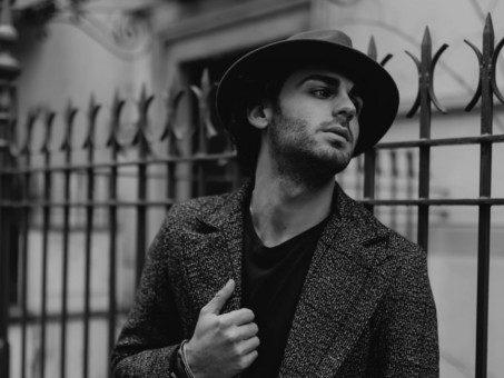 Solo di Alberto Urso è l'amore nella sua veste più drammatica, quasi ossessiva (recensione)