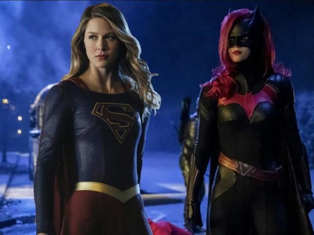 Stasera 6 ottobre debuttano Supergirl 5 e Batwoman, trame Usa: Kara conosce Andrea Rojas