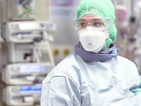 Mancano 1.300 medici e 2.525 infermieri, in arrivo sedici squadre dell'esercito