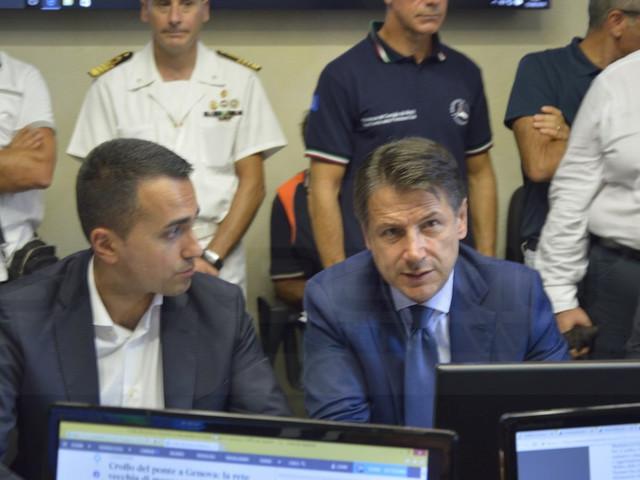 Conte, Di Maio e Salvini a Genova per un Consiglio dei Ministri straordinario (Foto e Video)