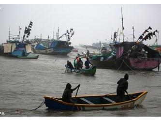 Vicinanza del Pontefice a popolazioni di India e Albania colpite da maltempo