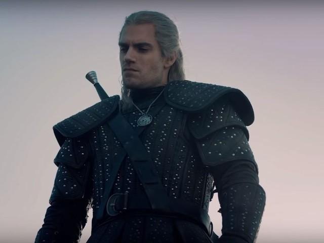 L'epico trailer di The Witcher su Netflix convince i fan della saga, tra battaglie e atmosfere magiche (video)