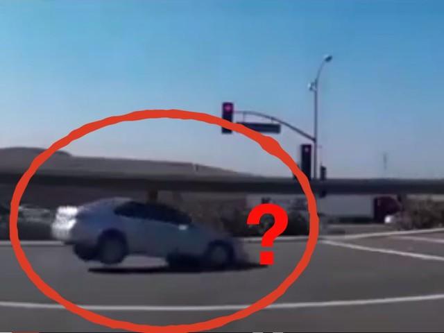 I Fantasmi esistono! Questo incredibile Video di clamorosi incidenti ne da Conferma!