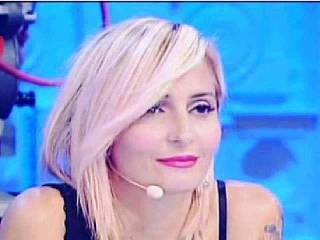Veronica Peparini, nuovo taglio di capelli sorprende: ecco com'è ora ad Amici (Foto)