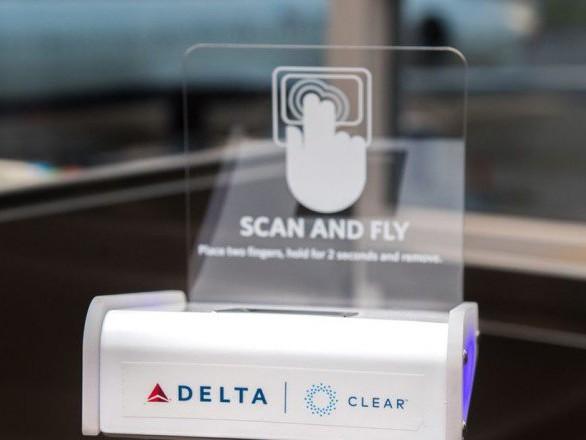 I passeggeri della Delta Airlines possono usare le impronte digitali per imbarcarsi