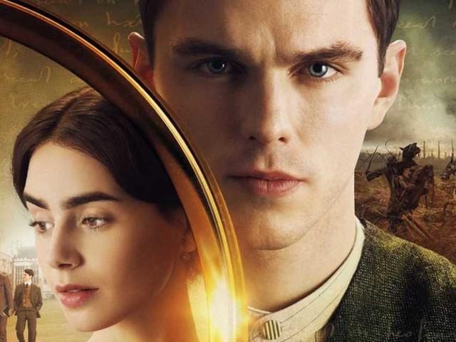 Tolkien, la recensione del film biografico con Nicholas Hoult