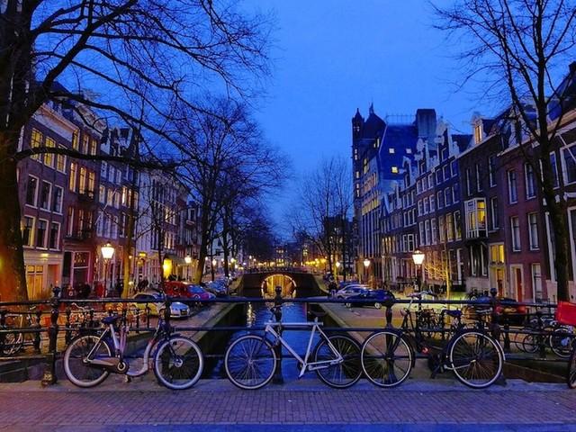 Amsterdam: cosa vedere. 10 luoghi da non perdere e info utili per il viaggio
