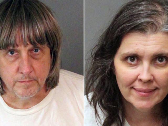 Da anni tenevano i 13 figli in catene e senza cibo, arrestata coppia di genitori in California