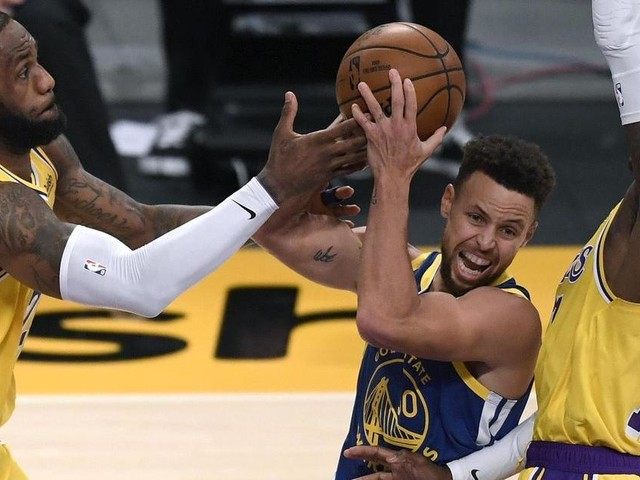 Nba, inaspettata vittoria dei Warriors sul campo dei Lakers