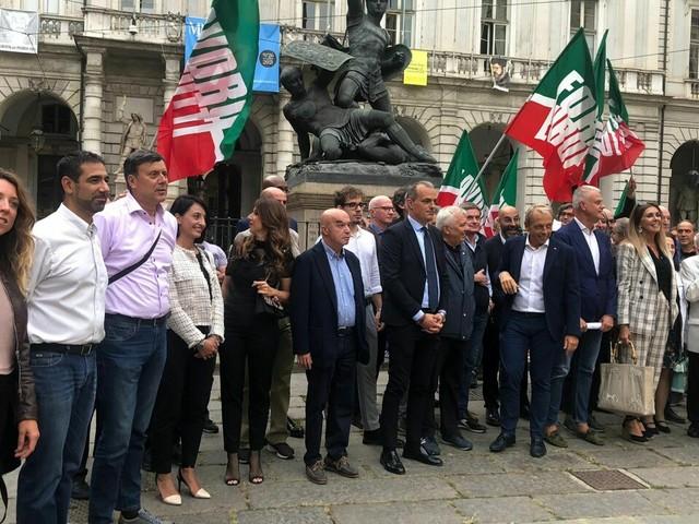 Forza Italia ha presentato la lista per le elezioni di Torino: i candidati che la compongono