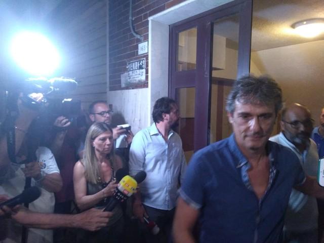 Carola Rackete assolta ma rimane ancora dentro casa: la capitana non parla