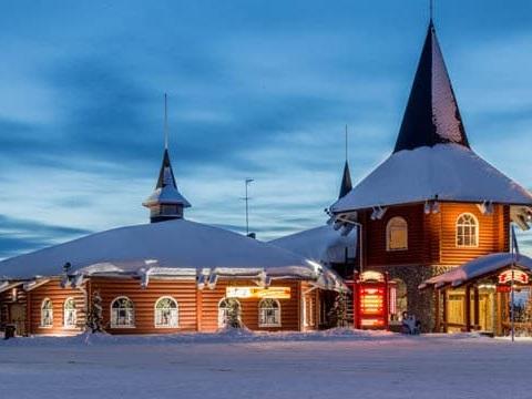 In Lapponia a casa di Babbo Natale