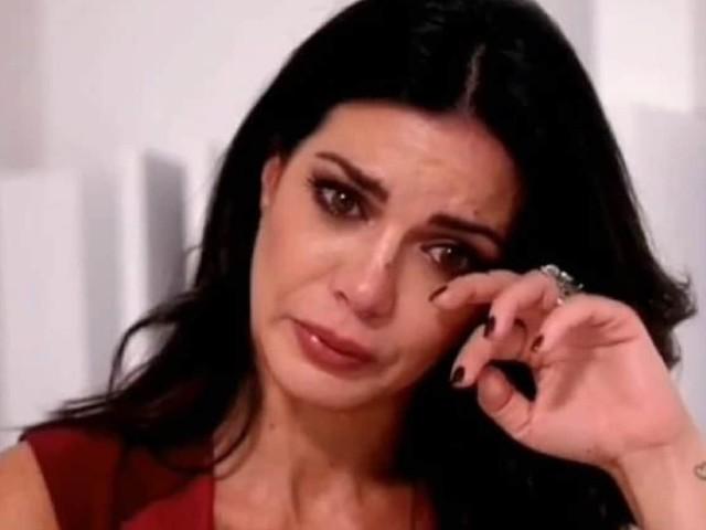 """Laura Torrisi piange disperata in diretta: """"il mostro è dentro di me"""""""