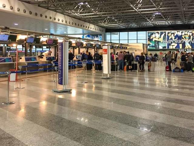 Novità rivoluzionarie in aeroporto: tornano i liquidi in valigia, sì a pc e tablet