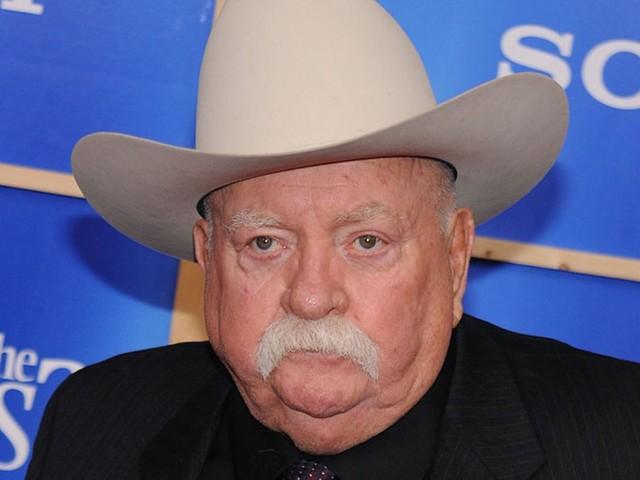 """""""Addio cowboy"""". Cinema in lutto, l'attore si è spento poche ore fa: lottava contro la malattia"""