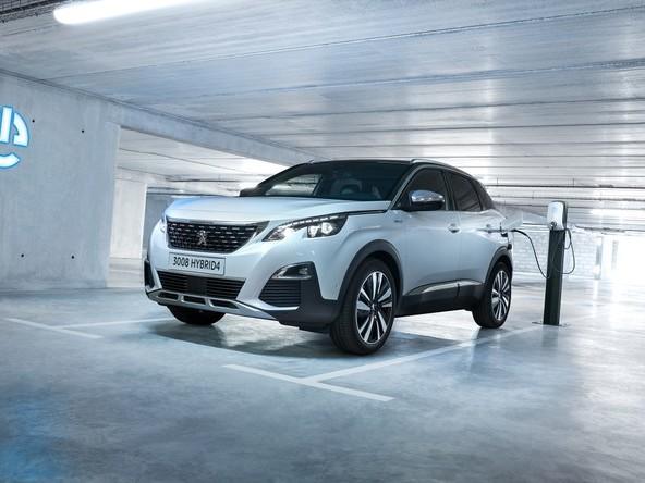 Peugeot SUV 3008, 508 Fastback e SW Plug-in Hybrid: ordini aperti | Prezzi