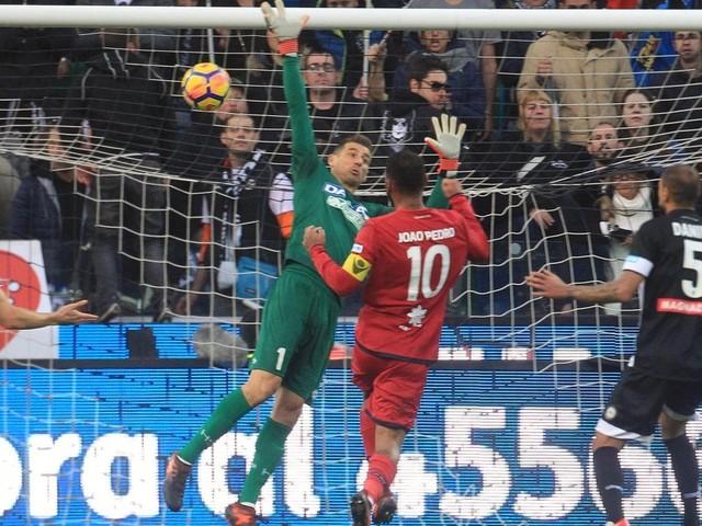 Udinese-Cagliari 0-1: friulani non pervenuti, Joao Pedro li punisce