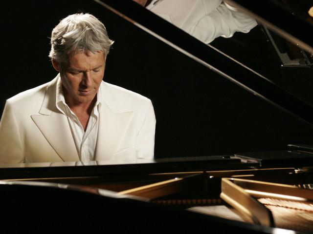 Sanremo 2018: Claudio Baglioni al Tg1 racconta in anteprima il suo Festival