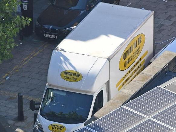 Londra, furgone sui fedeli musulmani: un morto e 10 feriti. «È terrorismo»