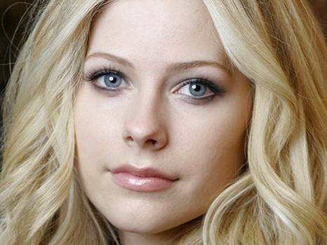 Biglietti in prevendita per Avril Lavigne a Milano nel 2020, un unico concerto in Italia per Head Above Water