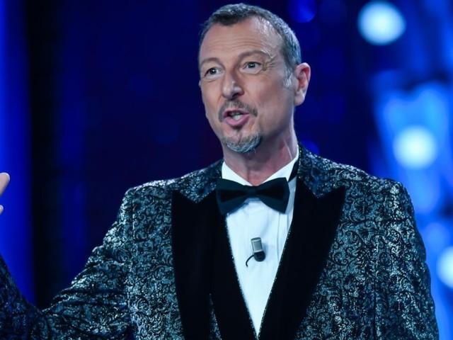 """Sanremo 2021, Amadeus ribadisce: """"Il pubblico deve esserci. Per il Festival l'Ariston è uno studio televisivo"""""""