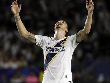 Sabatini chiude ogni possibilità: «Ibrahimovic non verrà a Bologna»