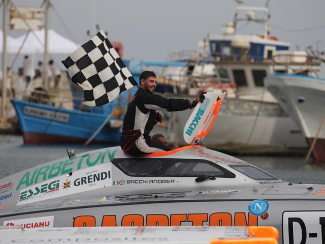 Motonautica: Sardinia Grand Prix, il trionfo di Carpitella e Bacchi